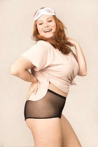 pantys-calcinha-absorvente-menstruacao-hotpant-preta-plus-lado_1024x1024